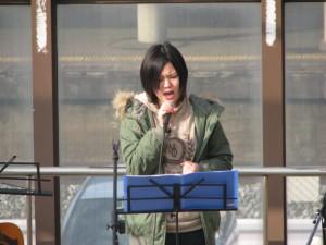 「黒崎店・井筒屋さん」でのJゴスペルコンサートで、熱唱しているところで~す。沢山の方々が、聴いて下さいました。